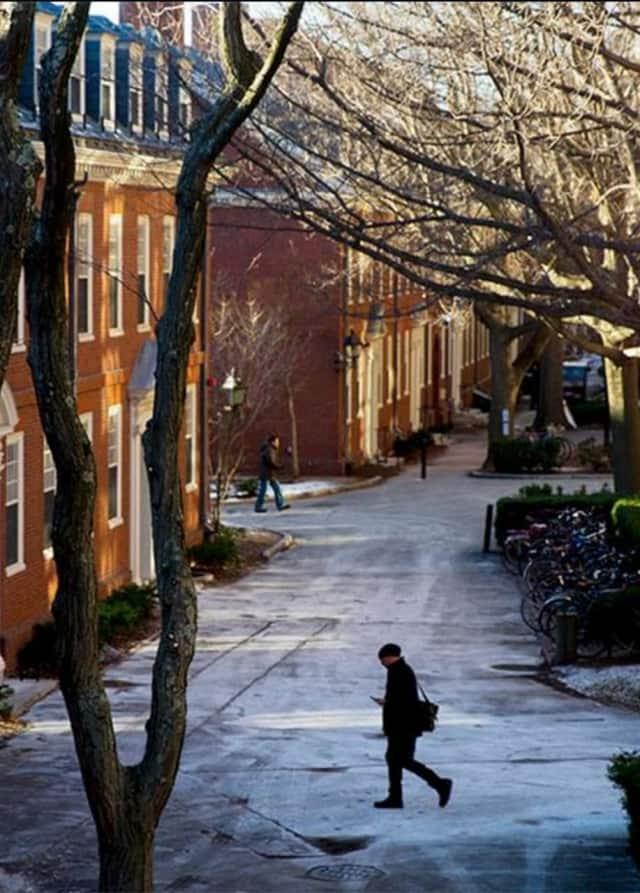 A mumps outbreak at Harvard University could threaten its May 26 graduation ceremonies.