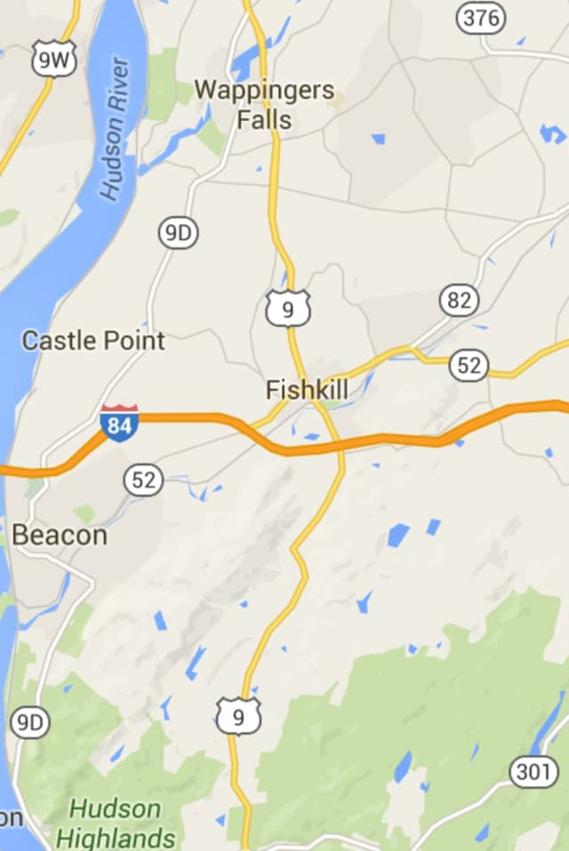 A tractor trailer rollover has closed I-84 westbound between Poughkeepsie and Beacon.
