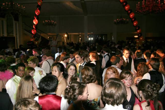 The Clarkstown Police Department has posted a series of prom night tips for both teens and parents.