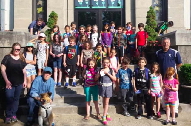 Kids from Lincoln School got to stroll to school with the mayor Wednesday morning.