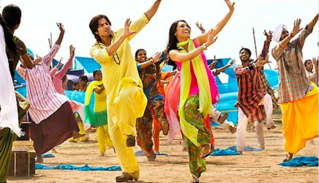 The choreography of Bollywood dances takes inspiration from Indian folk dances, classical dances (like kathak) as well as disco and from earlier Hindi filmi dances