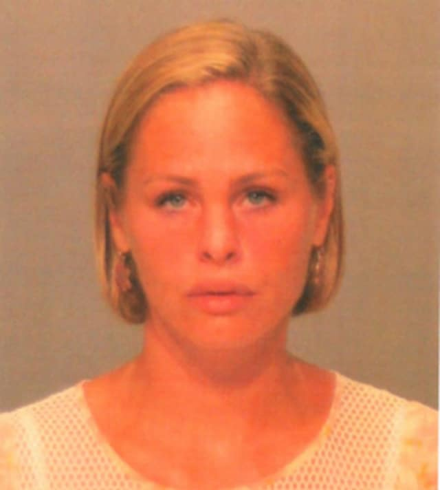 Ashleigh Kate Singer of Old Greenwich is facing a larceny charge after allegedly stealing a clothing item from LF Greenwich on July 1, Greenwich Police said.