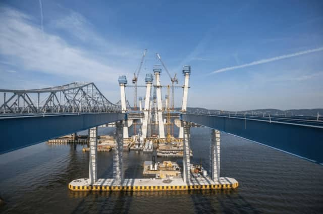 Progress on the main span of the Tappan Zee Bridge replacement continues.