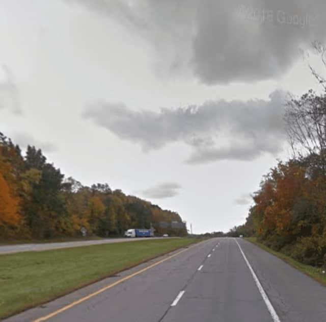 Southbound I-684 (right) near I-84.
