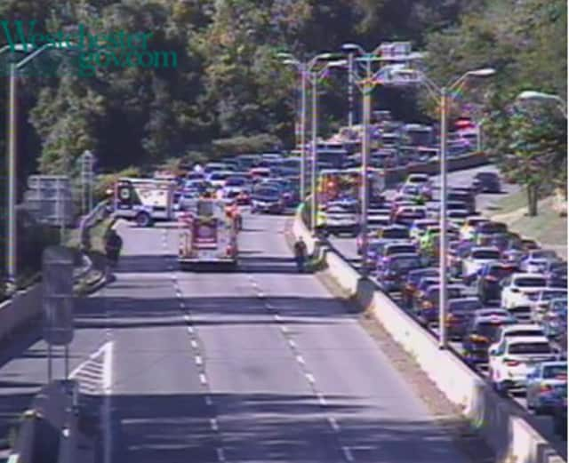 A look at the closure on the northbound Bronx River Parkway on Tuesday morning.