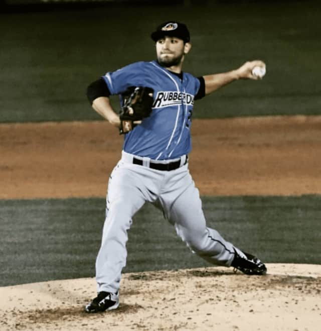 Englewood Cliffs native Rob Kaminsky throws a pitch for the Akron RubberDucks.