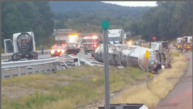 The I-87 crash occurred just before Exit 16 (Harriman), where all southbound lanes are closed.