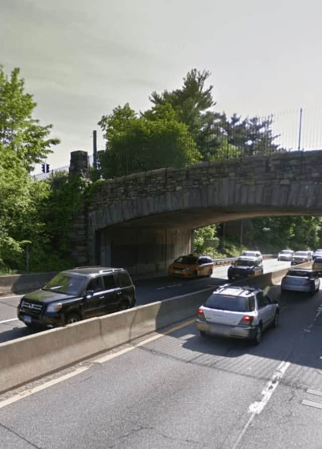 A tractor-trailer hit the Weaver Street overpass of the Hutchinson River Parkway jamming traffic for the morning commute.