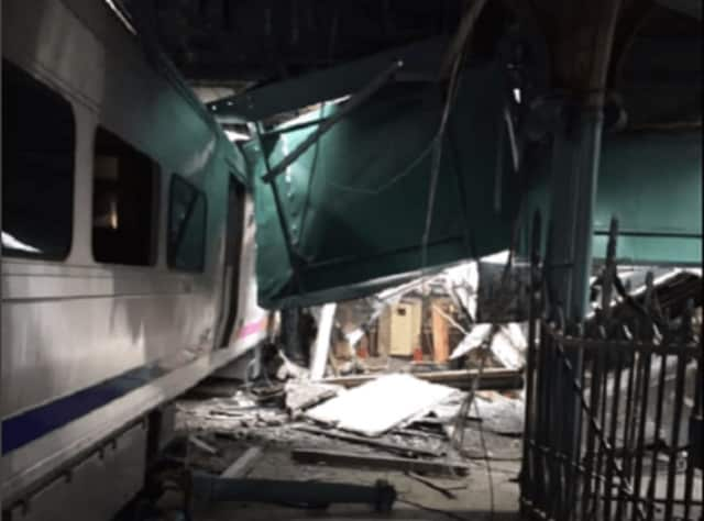 Rockland County is offering help to commuters affected by Thursday's train crash in New Jersey.