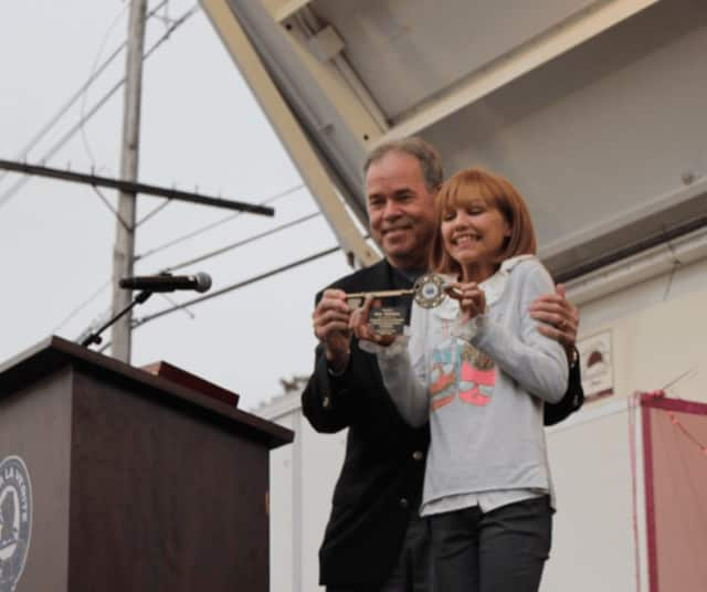 County Executive Ed Day presented Grace VanderWaal with the Key to Rockland County.