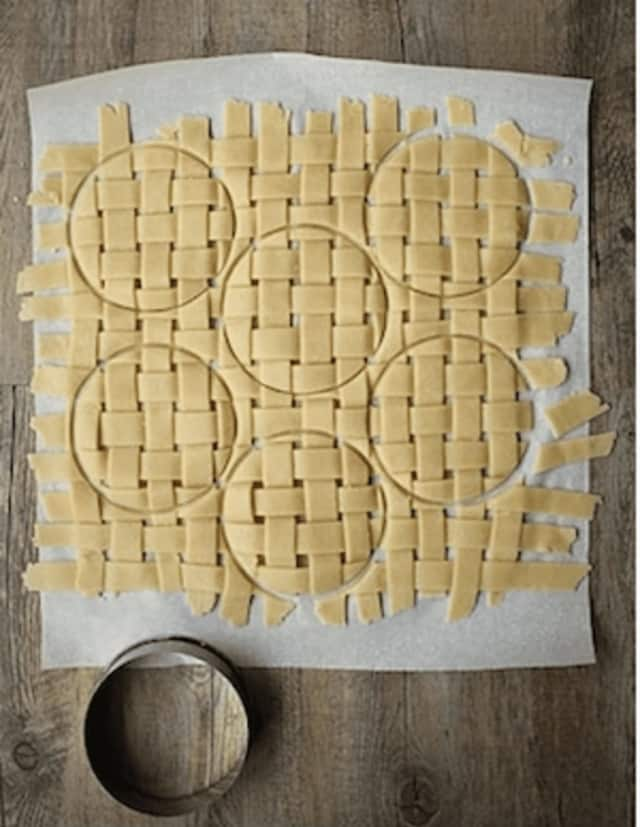 Kids will learn to make a lattice pie crust in an upcoming cooking program in Wilton.