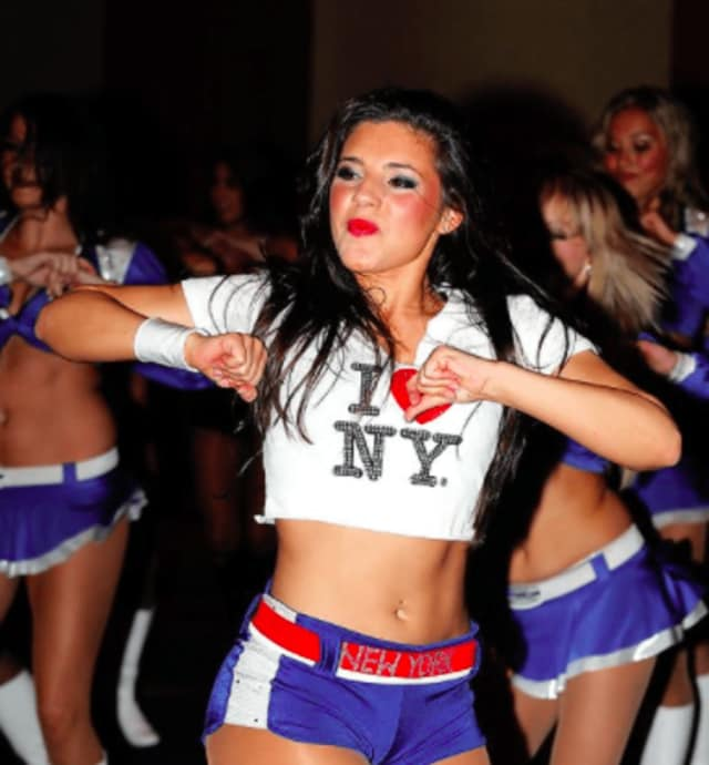An Edgewater dance studio will teach you to bust a move with the confidence of a cheerleader.