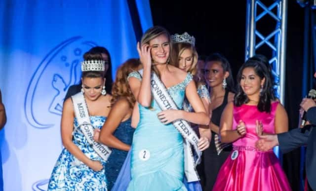 Lana Coffey, 18, of New Canaan is crowned Miss Connecticut Teen USA 2017.