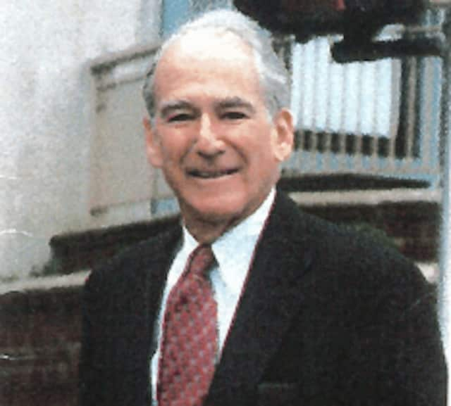 Longtime Westchester lawyer Stuart Shamberg died at the age of 90.