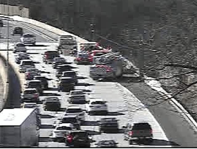 A look at conditions on I-95 early Saturday afternoon near Exit 21 (I-287).