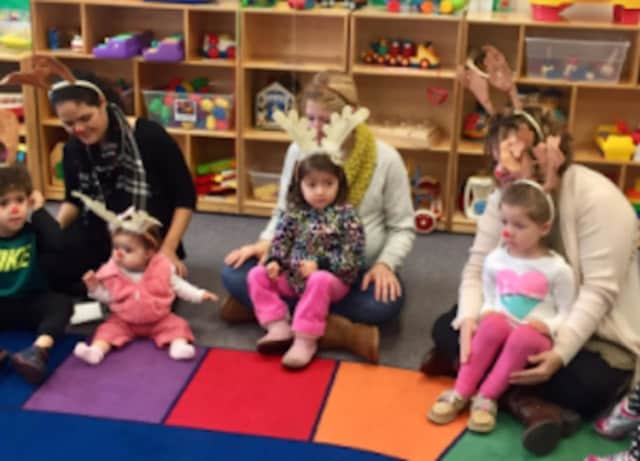 Free monthly playgroups for residents of Stratford are available for their children.