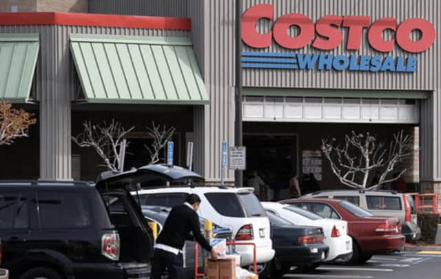 Costco Wholesale Corp. is launching a delivery service for customers in the New York area through a partnership with membership-based online grocery delivery service, the company announced Tuesday.