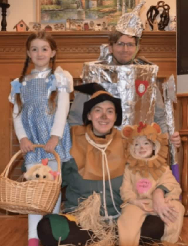 "Robert and Cara Hughes and their daughters dress up as characters from ""The Wizard of Oz"" in a bid to win a trip to Scotland from the ""Today"" show. Photo Credit: Screenshot from 'Today'"