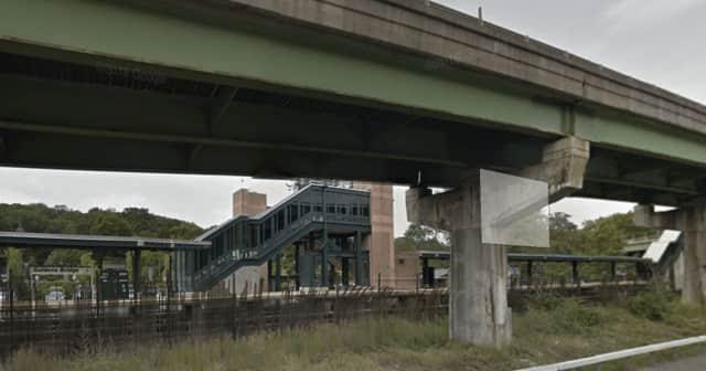 Metro-North Goldens Bridge station.
