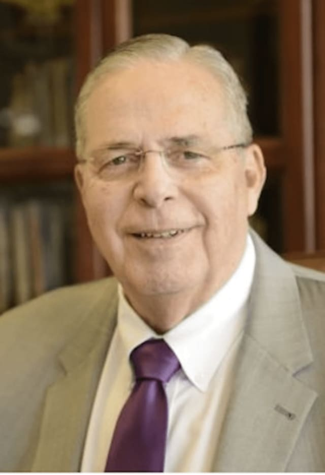 Neil A. Salonen will step down in spring 2018 from his past as president of the University of Bridgeport.