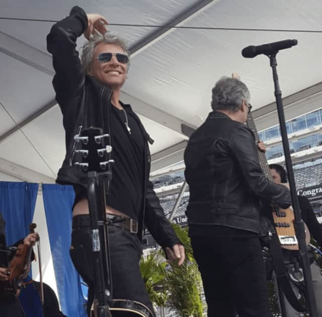 Bon Jovi gave Fairleigh Dickinson Students a surprise graduation performance on Tuesday.