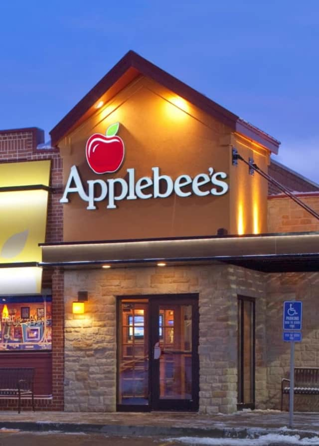 Applebee's could be coming to the old Stop & Shop site on Route 17 in Paramus.