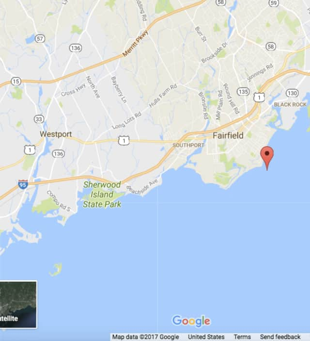 Penfield Reef in Fairfield, Conn., on the Long Island Sound (indicated with the red indicator.