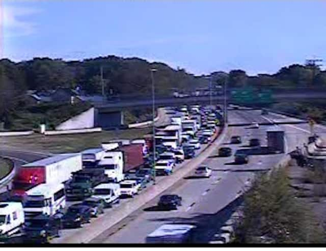 There is stopped traffic at the scene of the crash at Mamaroneck Avenue (Exit 18B), with stop-and-go delays to Playland Parkway (Exit 19).