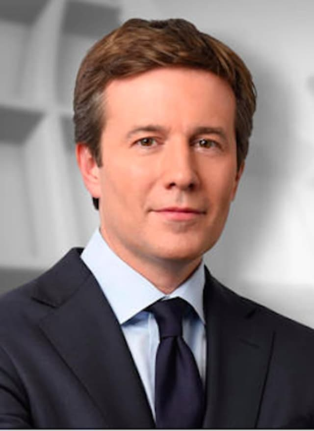 "Greenwich resident Jeff Glor makes his debut Monday as the new anchor of ""CBS Evening News."""