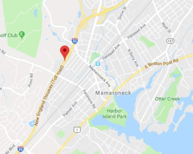 An early morning crash on I-95 near Mamaroneck left several people injured.