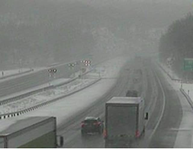 A look at slick conditions on I-87 between Exit 15A (Sloatsburg/Suffern) and Exit 16 (Harriman).