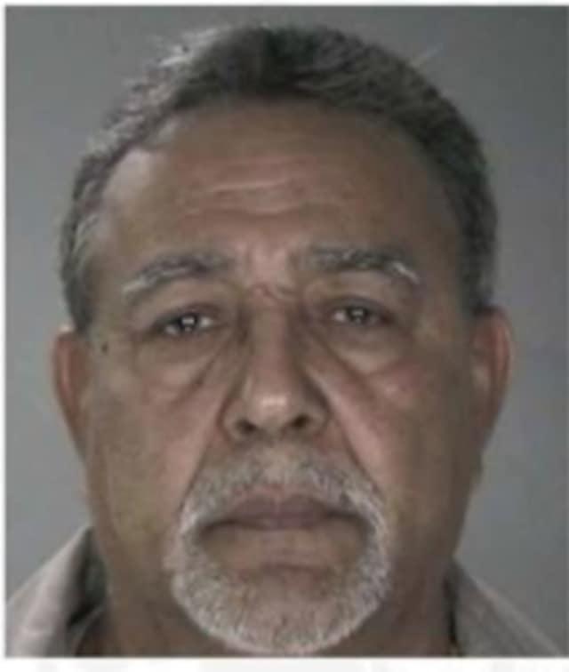 Ruben Mosquera, 74