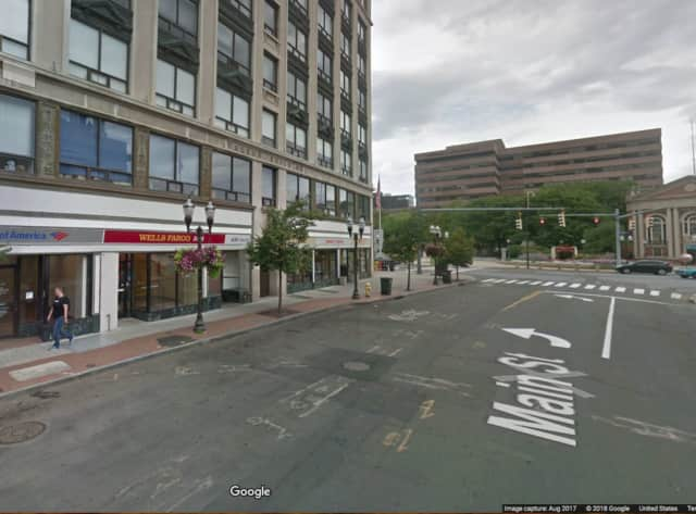 A teen tried to steal a woman's purse outside the Wells Fargo ATM in Stamford.