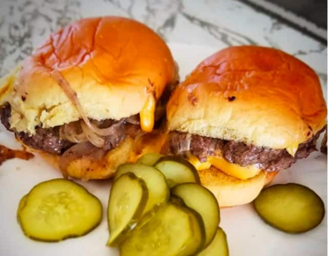 You know a White Manna burger when you see one... or two!