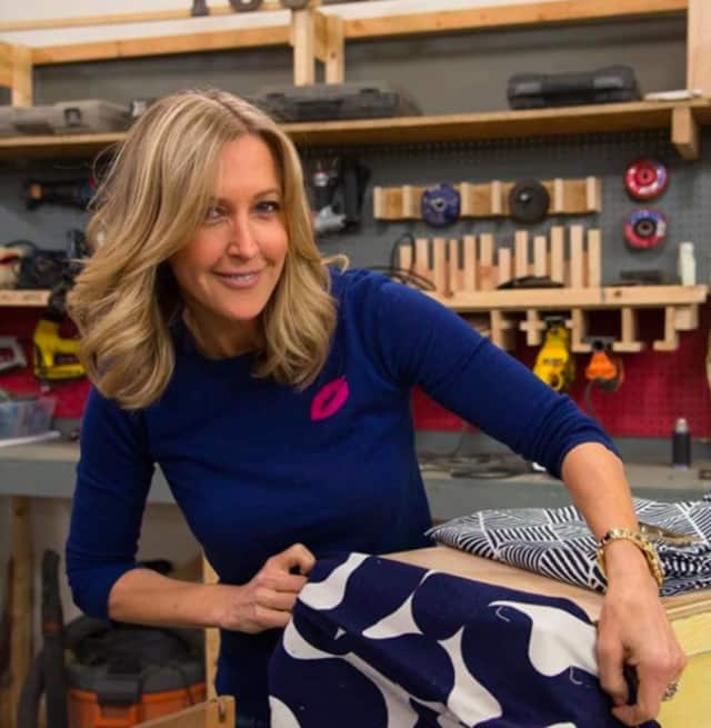 "On Wednesday, Lara Spencer of Greenwich posted this photo to Instagram and captioned it: ""From @goodmorningamerica to @fleamarketflip_ in just one hour!! Who's ready for a fabric project???"""