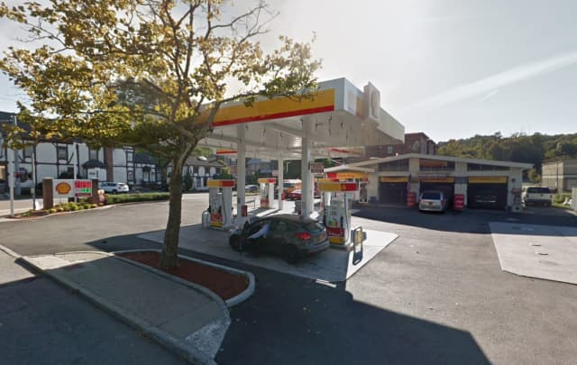 Shell gas station on Commerce Street in Yorktown.