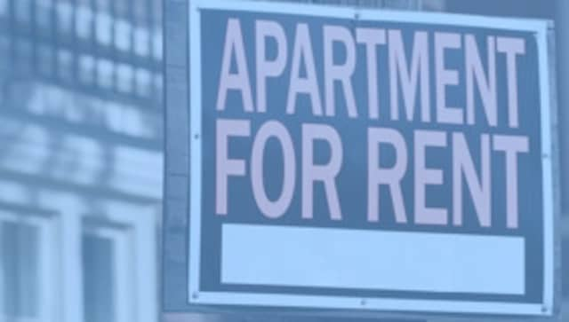 An apartment building in Eastchester discriminated, a civil rights group claims.