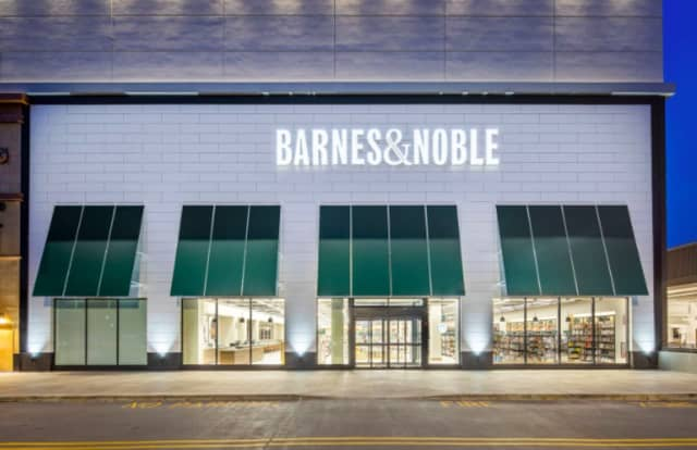 Barnes & Noble is getting ready to relocate at The Shops at Riverside in Hackensack.