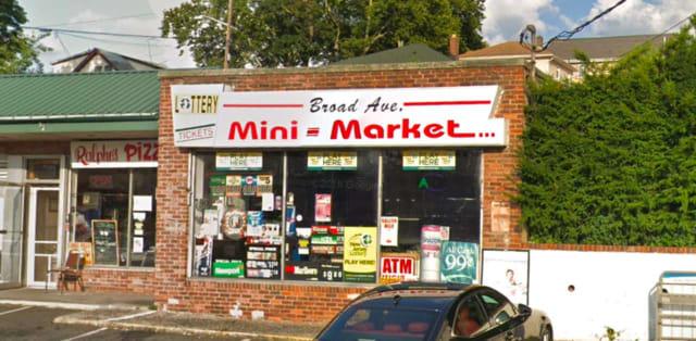 Broad Avenue Mini Market in Ridgefield