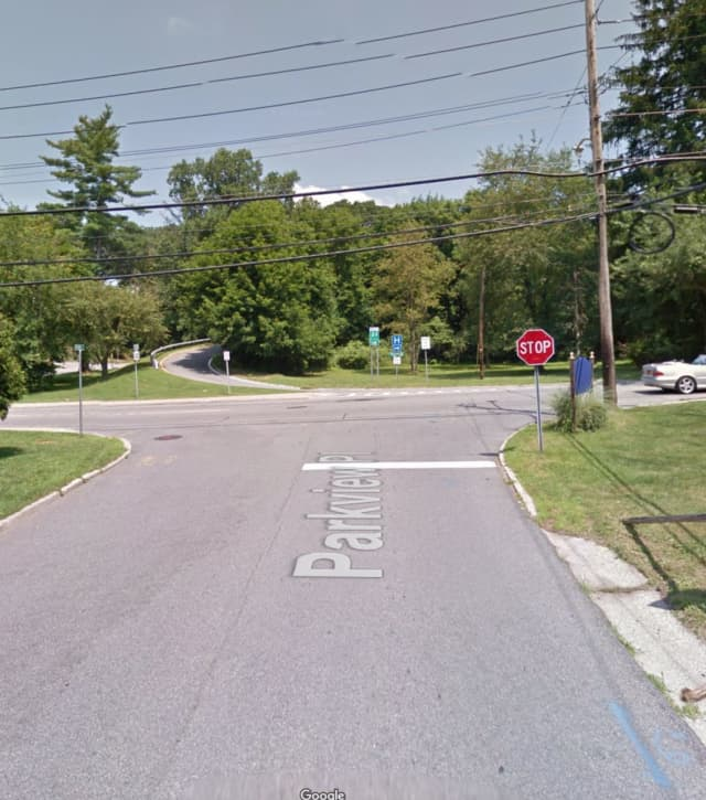 The intersection of Parkview Place and Route 133 in Mount Kisco.