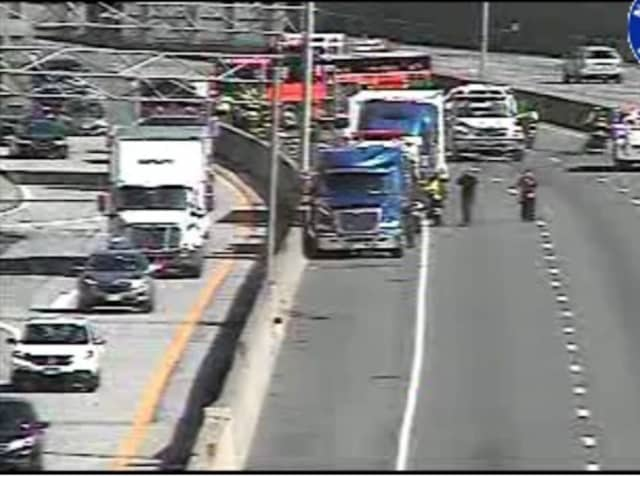 A look at the crash scene on I-95 in Mamaroneck.