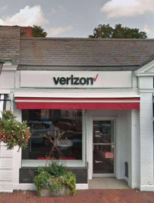 Verizon in New Canaan (139 Elm Street)