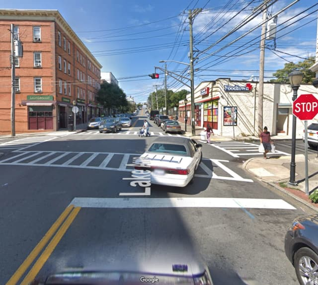 The intersection of Lake and Morningside Avenue.