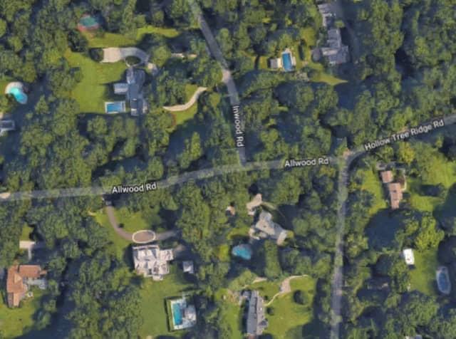 Intersection of Allwood Road/Inwood Road in Darien