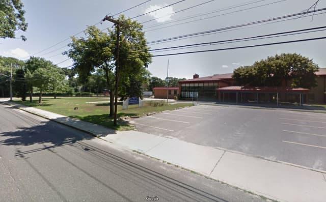 Oxhead Road Elementary School  in Centereach
