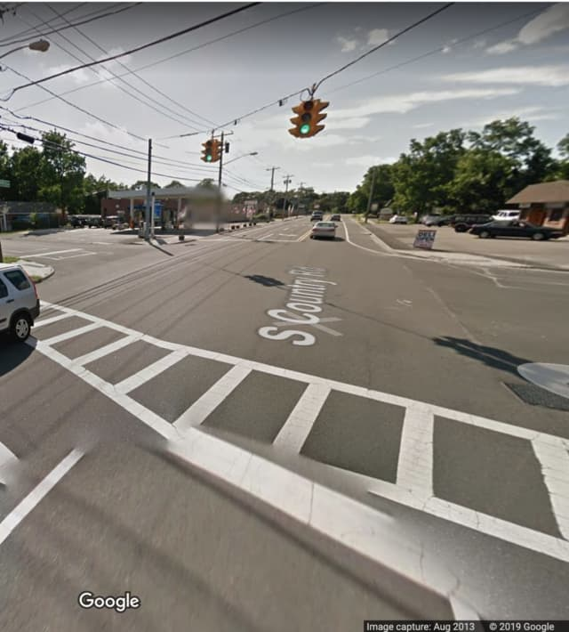 The intersection of South Country Road and North Dunton Avenue in East Patchogue.