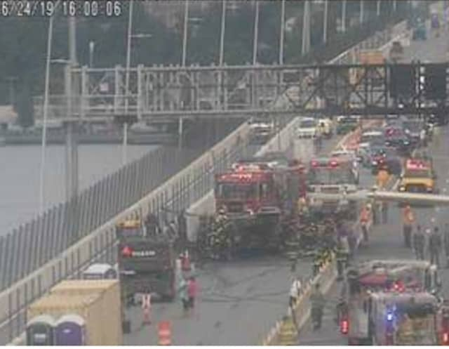 A look at the closure on the Westchester-bound span.