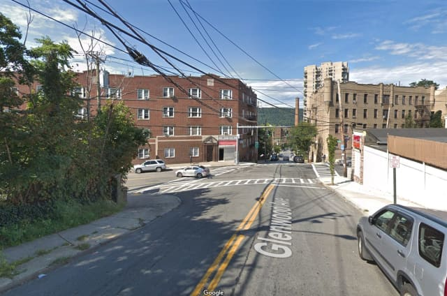 The intersection of Glenwood Avenue and Warburton Avenue in Yonkers, where gunshots rang out.