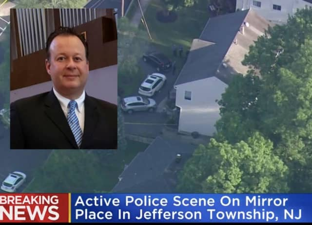 CBS chopper 2 over an active crime scene in Jefferson.