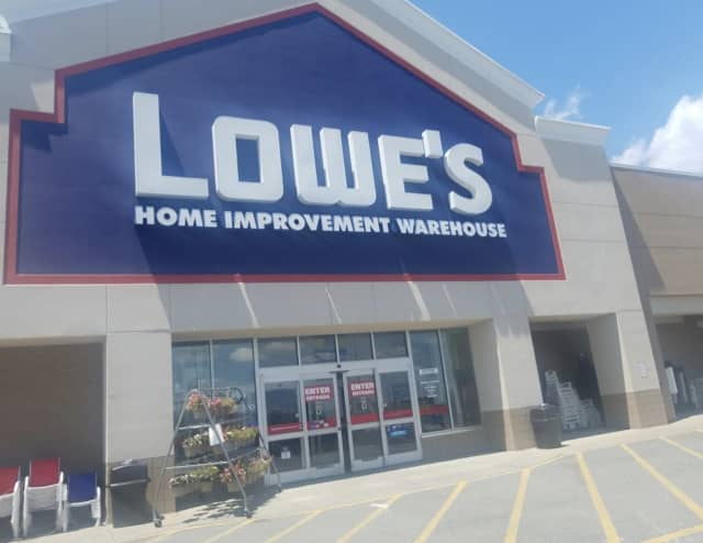 The Yorktown Lowe's store where a dog was running loose.